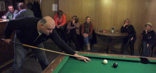 27-12-2014 poolbiljart-tournooi-cafe molenzicht-Thesinge-Andries Westra-Winnaar-Wim van de Veen- Dora Westra-Jan Veenkamp-Henk Tammens (14)